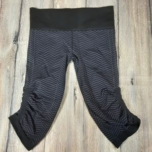 Lululemon In The Flow crop leggings chevron 10